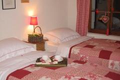 Switzerland red bedroom twin