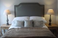 Upholstered headboard linen